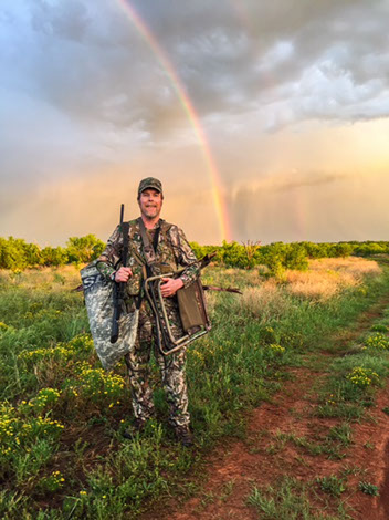 Roewe outfitters texas huntingturkey hunter at roewe for Texas non resident fishing license